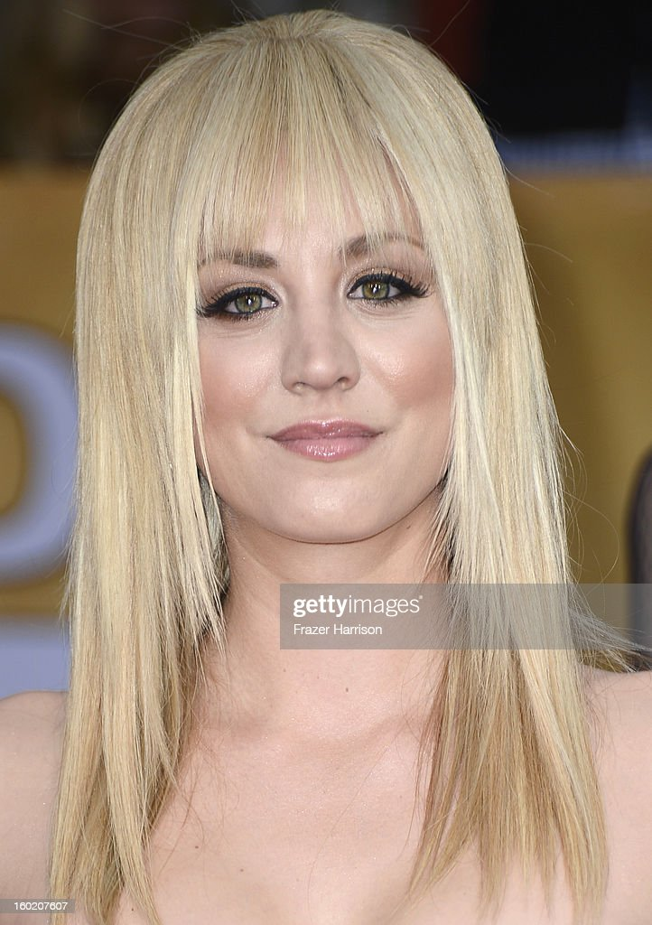 Actress Kaley Cuoco arrives at the 19th Annual Screen Actors Guild Awards held at The Shrine Auditorium on January 27, 2013 in Los Angeles, California.