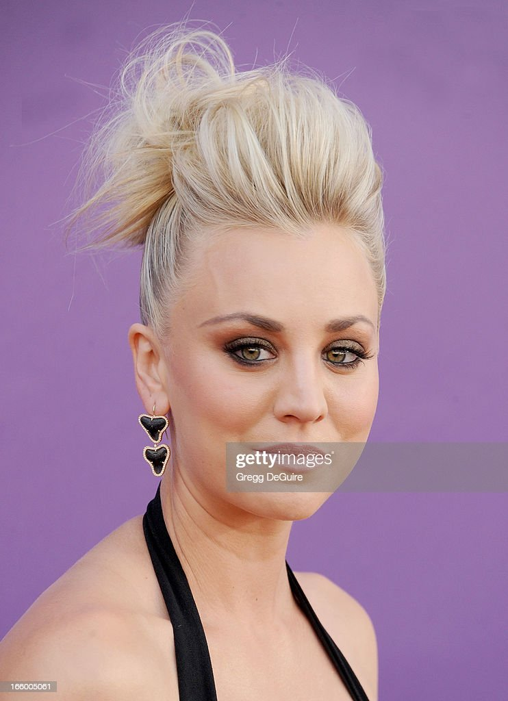 Actress <a gi-track='captionPersonalityLinkClicked' href=/galleries/search?phrase=Kaley+Cuoco&family=editorial&specificpeople=208988 ng-click='$event.stopPropagation()'>Kaley Cuoco</a> arrives at the 48th Annual Academy Of Country Music Awards at MGM Grand Garden Arena on April 7, 2013 in Las Vegas, Nevada.