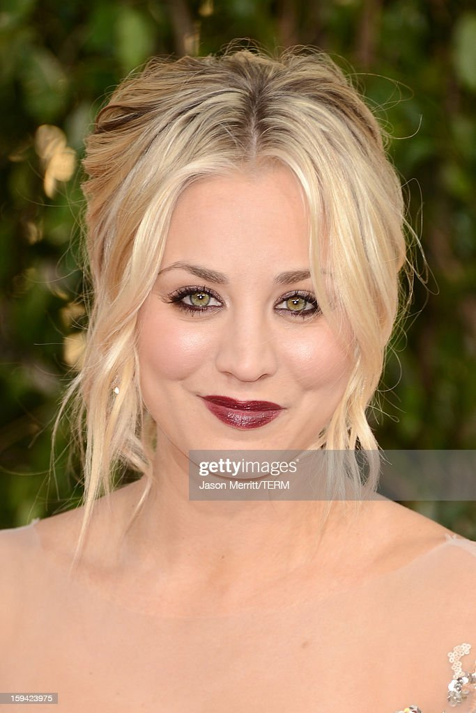 Actress <a gi-track='captionPersonalityLinkClicked' href=/galleries/search?phrase=Kaley+Cuoco&family=editorial&specificpeople=208988 ng-click='$event.stopPropagation()'>Kaley Cuoco</a> arrives at the 70th Annual Golden Globe Awards held at The Beverly Hilton Hotel on January 13, 2013 in Beverly Hills, California.