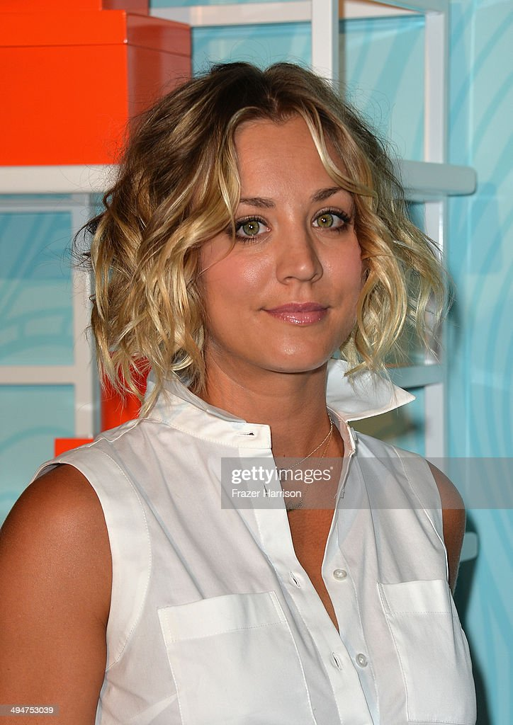 Actress <a gi-track='captionPersonalityLinkClicked' href=/galleries/search?phrase=Kaley+Cuoco&family=editorial&specificpeople=208988 ng-click='$event.stopPropagation()'>Kaley Cuoco</a> Sweeting arrives at the Step Up 11th Annual Inspiration Awards at The Beverly Hilton Hotel on May 30, 2014 in Beverly Hills, California.