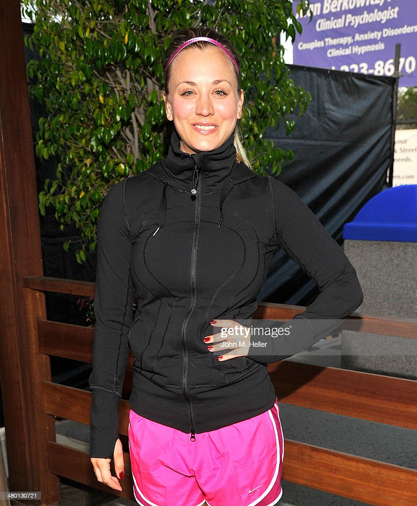 Actress Kaley Cuoco Sweeting attends the 2014 USTA Men's Pro Tennis Championships Of Calabasas at the Calabasas Tennis Swim Club on March 22 2014 in...