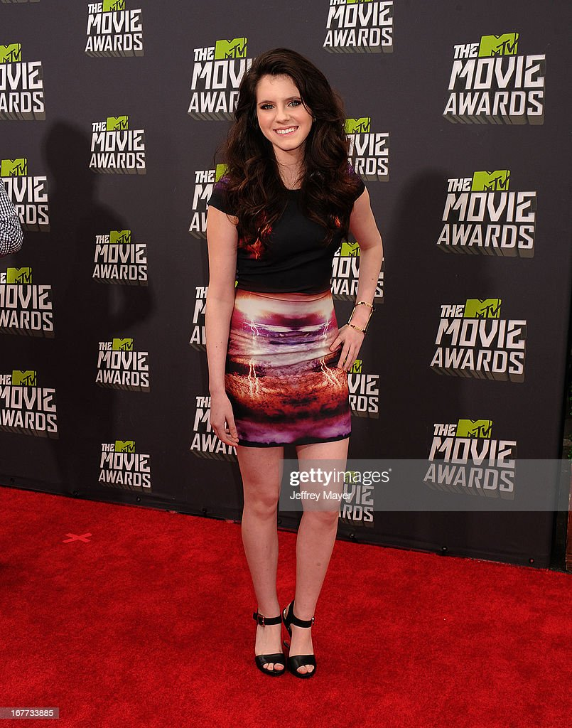 Actress Kara Hayward arrives at the 2013 MTV Movie Awards at Sony Pictures Studios on April 14, 2013 in Culver City, California.