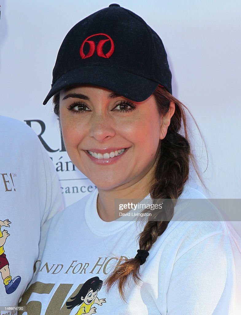 Actress Karyme Lozano attends Padres Contra El Cancer's 5th Annual Stand for HOPE! 5k Run/Walk at the Rose Bowl on June 24, 2012 in Pasadena, California.