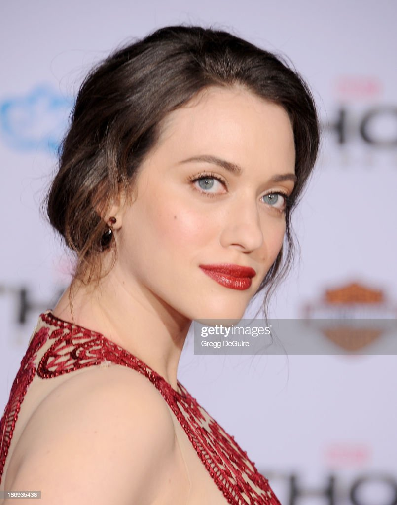 Actress <a gi-track='captionPersonalityLinkClicked' href=/galleries/search?phrase=Kat+Dennings&family=editorial&specificpeople=846118 ng-click='$event.stopPropagation()'>Kat Dennings</a> arrives at the Los Angeles premiere of 'Thor: The Dark World' at the El Capitan Theatre on November 4, 2013 in Hollywood, California.
