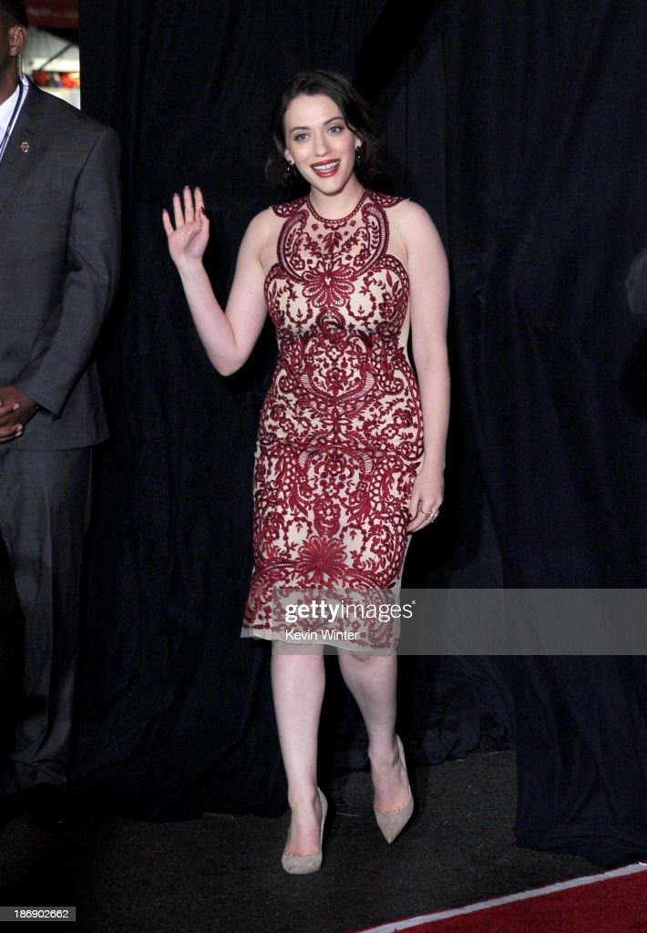 Actress <a gi-track='captionPersonalityLinkClicked' href=/galleries/search?phrase=Kat+Dennings&family=editorial&specificpeople=846118 ng-click='$event.stopPropagation()'>Kat Dennings</a> arrives at the premiere of Marvel's 'Thor: The Dark World' at the El Capitan Theatre on November 4, 2013 in Hollywood, California.