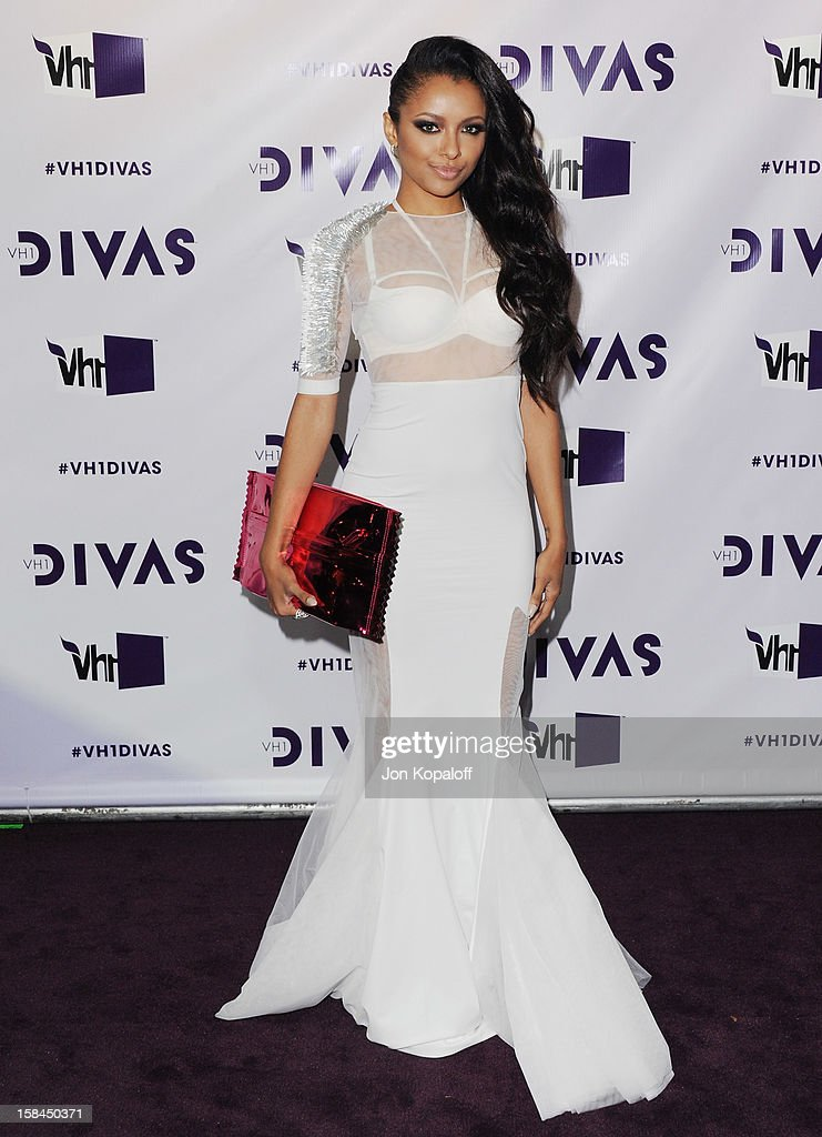 Actress Kat Graham arrives at the 'VH1 Divas' 2012 at The Shrine Auditorium on December 16, 2012 in Los Angeles, California.