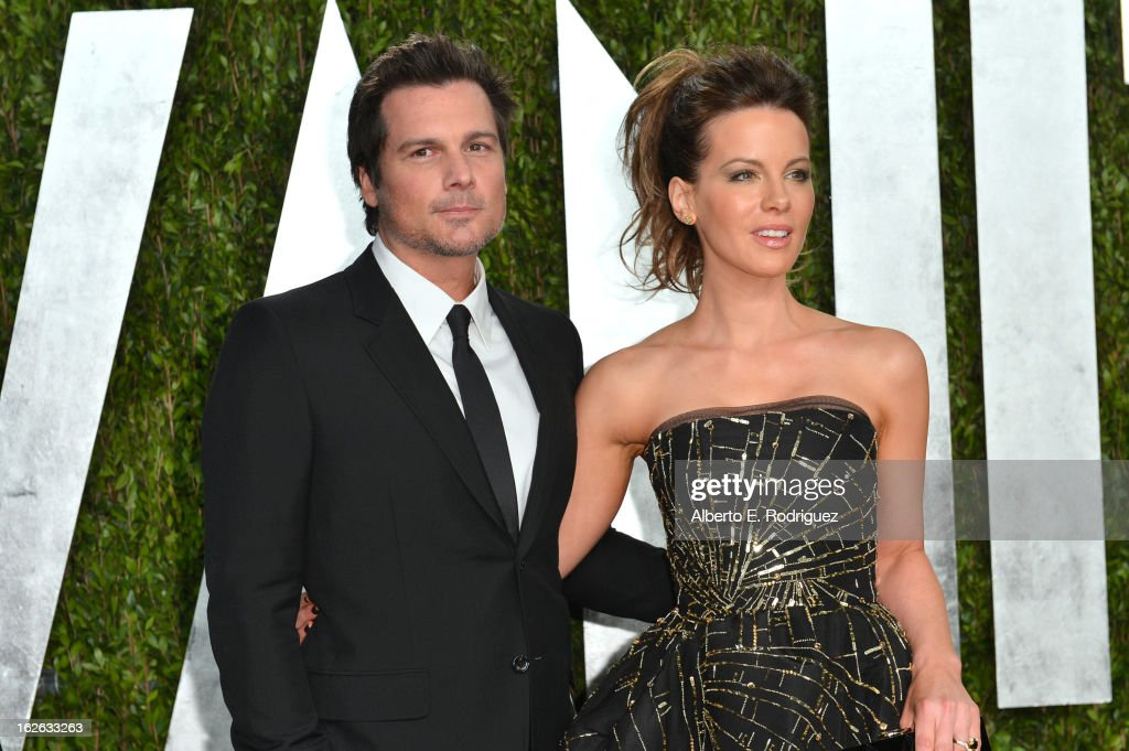 Actress Kate Beckinsale (R) and director Len Wiseman arrives at the 2013 Vanity Fair Oscar Party hosted by Graydon Carter at Sunset Tower on February 24, 2013 in West Hollywood, California.