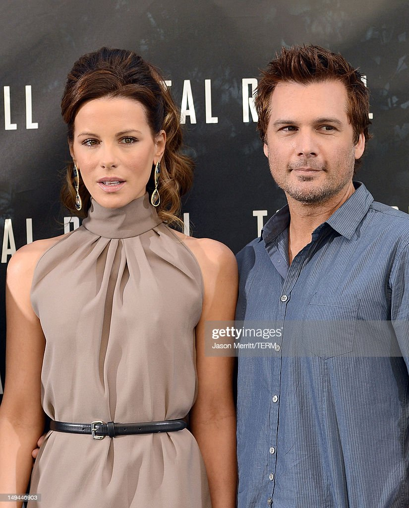 Actress Kate Beckinsale and Director Len Wiseman attend the photo call for Columbia Pictures' 'Total Recall' held at the Four Seasons Hotel on July 28, 2012 in Los Angeles, California.