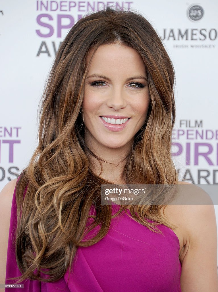 Actress <a gi-track='captionPersonalityLinkClicked' href=/galleries/search?phrase=Kate+Beckinsale&family=editorial&specificpeople=202911 ng-click='$event.stopPropagation()'>Kate Beckinsale</a> arrives at the 2012 Film Independent Spirit Awards at Santa Monica Pier on February 25, 2012 in Santa Monica, California.
