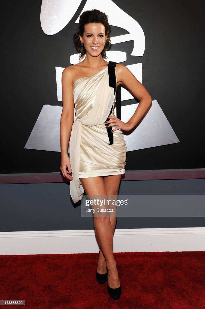 Actress <a gi-track='captionPersonalityLinkClicked' href=/galleries/search?phrase=Kate+Beckinsale&family=editorial&specificpeople=202911 ng-click='$event.stopPropagation()'>Kate Beckinsale</a> arrives at the 54th Annual GRAMMY Awards held at Staples Center on February 12, 2012 in Los Angeles, California.
