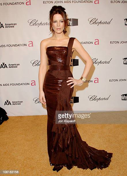 Actress Kate Beckinsale attends the 16th Annual Elton John AIDS Foundation Oscar Party at the Pacific Design Center on February 24 2008 in West...
