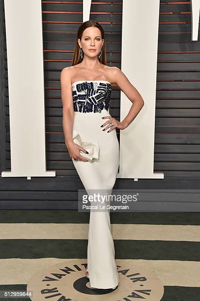 Actress Kate Beckinsale attends the 2016 Vanity Fair Oscar Party Hosted By Graydon Carter at the Wallis Annenberg Center for the Performing Arts on...