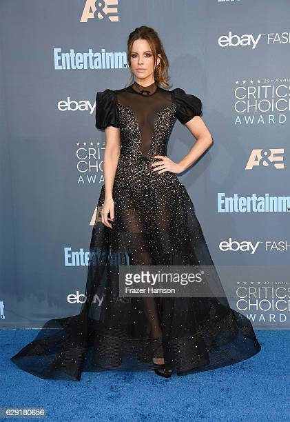 Actress Kate Beckinsale attends The 22nd Annual Critics' Choice Awards at Barker Hangar on December 11 2016 in Santa Monica California
