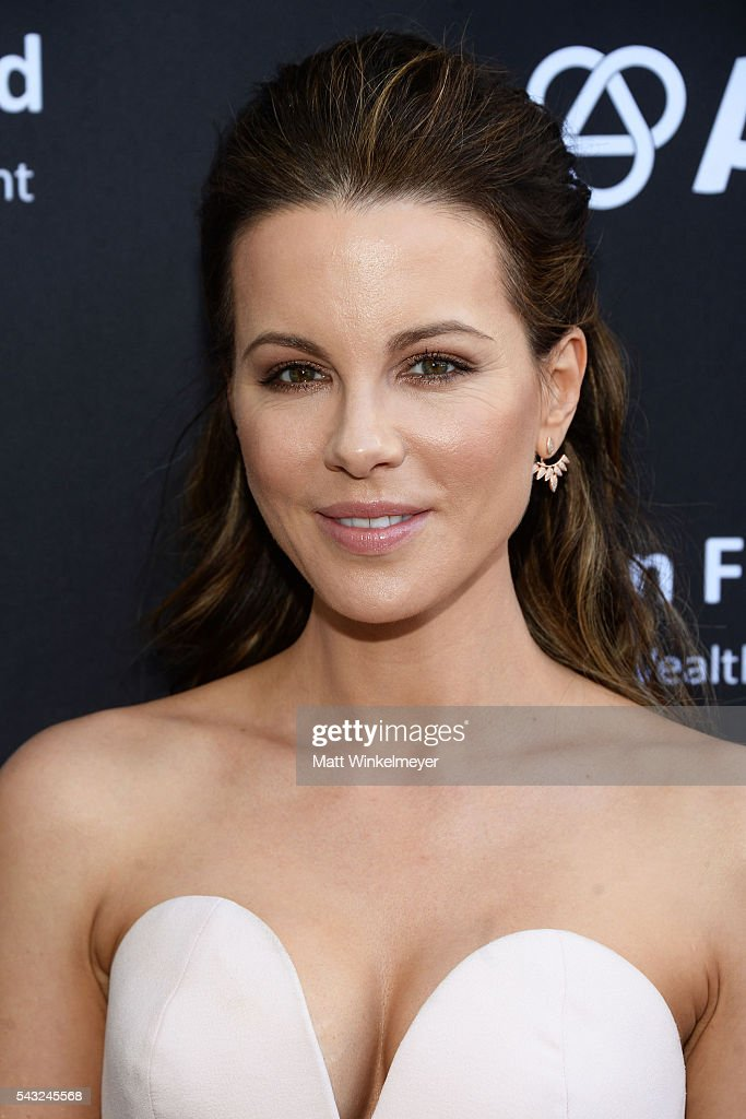 Actress <a gi-track='captionPersonalityLinkClicked' href=/galleries/search?phrase=Kate+Beckinsale&family=editorial&specificpeople=202911 ng-click='$event.stopPropagation()'>Kate Beckinsale</a> attends the BAFTA LA Garden Party on June 26, 2016 in Los Angeles, California.