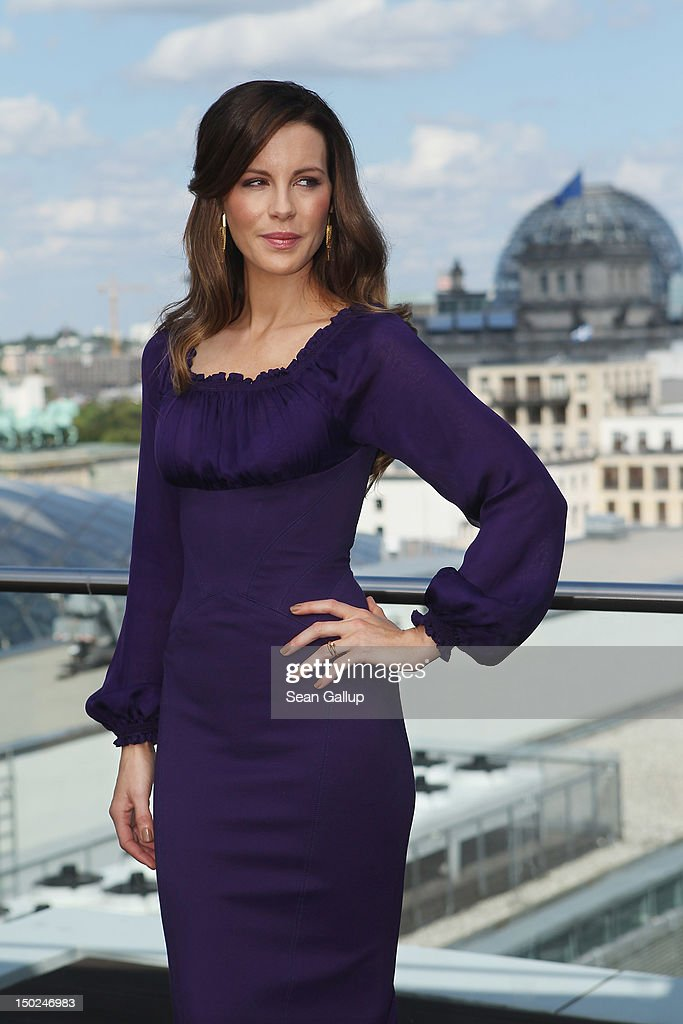Actress Kate Beckinsale attends the Berlin to photocall for 'Total Recall' on the terrace of the China Club on August 13, 2012 in Berlin, Germany.
