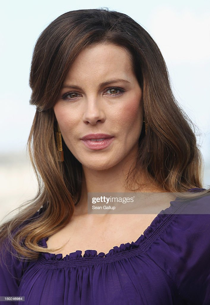 Actress <a gi-track='captionPersonalityLinkClicked' href=/galleries/search?phrase=Kate+Beckinsale&family=editorial&specificpeople=202911 ng-click='$event.stopPropagation()'>Kate Beckinsale</a> attends the Berlin to photocall for 'Total Recall' on the terrace of the China Club on August 13, 2012 in Berlin, Germany.