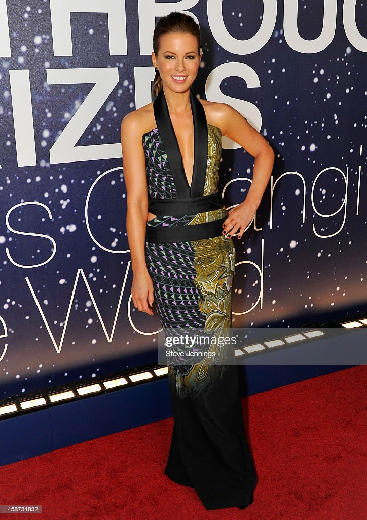 Actress Kate Beckinsale attends the Breakthrough Prize Awards Ceremony Hosted By Seth MacFarlane at NASA Ames Research Center on November 9, 2014 in Mountain View, California.