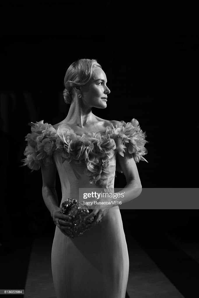 Actress Kate Bosworth attends the 2016 Vanity Fair Oscar Party hosted by Graydon Carter at Wallis Annenberg Center for the Performing Arts on February 28, 2016 in Beverly Hills, California.
