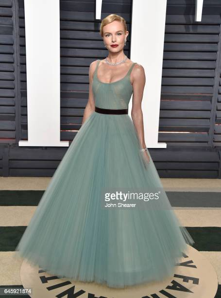 Actress Kate Bosworth attends the 2017 Vanity Fair Oscar Party hosted by Graydon Carter at Wallis Annenberg Center for the Performing Arts on...