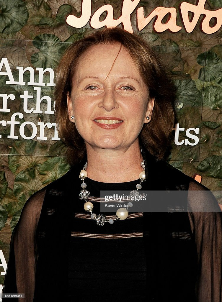 Actress <a gi-track='captionPersonalityLinkClicked' href=/galleries/search?phrase=Kate+Burton&family=editorial&specificpeople=215100 ng-click='$event.stopPropagation()'>Kate Burton</a> arrives at the Wallis Annenberg Center For The Performing Arts Gala at the Wallis Annenberg Center For The Performing Arts on October 17, 2013 in Beverly Hills, California.