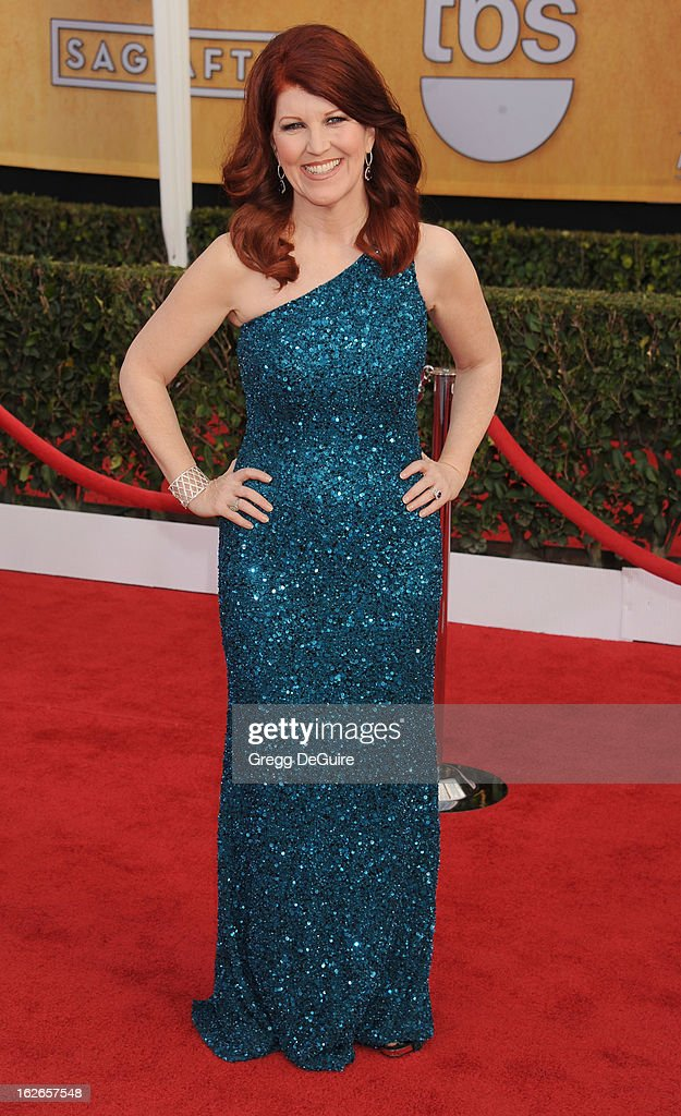 Actress Kate Flannery arrives at the 19th Annual Screen Actors Guild Awards at The Shrine Auditorium on January 27, 2013 in Los Angeles, California.