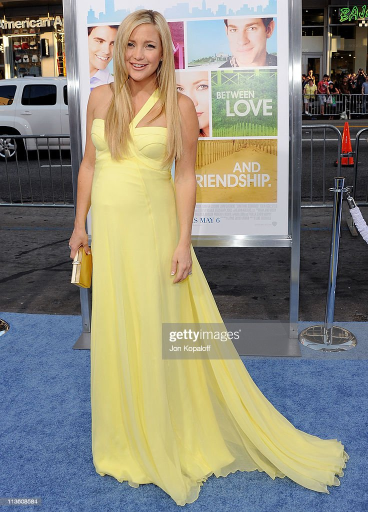 Actress <a gi-track='captionPersonalityLinkClicked' href=/galleries/search?phrase=Kate+Hudson&family=editorial&specificpeople=156407 ng-click='$event.stopPropagation()'>Kate Hudson</a> arrives at the Los Angeles Premiere 'Something Borrowed' at Grauman's Chinese Theatre on May 3, 2011 in Hollywood, California.