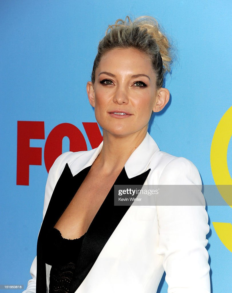 Actress <a gi-track='captionPersonalityLinkClicked' href=/galleries/search?phrase=Kate+Hudson&family=editorial&specificpeople=156407 ng-click='$event.stopPropagation()'>Kate Hudson</a> arrives at the premiere of Fox Television's 'Glee' at Paramount Studios on September 12, 2012 in Los Angeles, California.