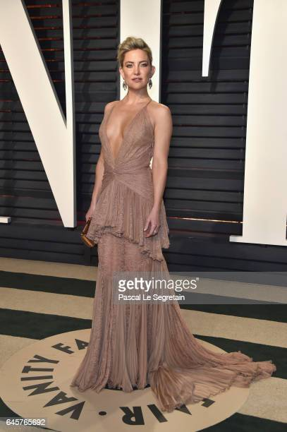Actress Kate Hudson attends the 2017 Vanity Fair Oscar Party hosted by Graydon Carter at Wallis Annenberg Center for the Performing Arts on February...