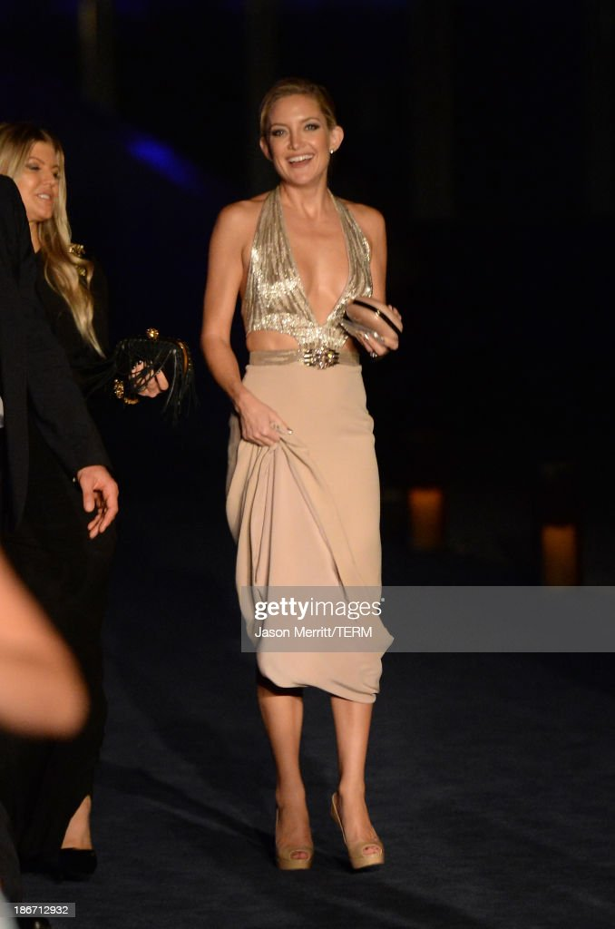 Actress <a gi-track='captionPersonalityLinkClicked' href=/galleries/search?phrase=Kate+Hudson&family=editorial&specificpeople=156407 ng-click='$event.stopPropagation()'>Kate Hudson</a> attends the LACMA 2013 Art + Film Gala honoring Martin Scorsese and David Hockney presented by Gucci at LACMA on November 2, 2013 in Los Angeles, California.