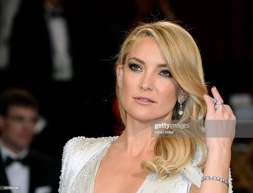 Actress <a gi-track='captionPersonalityLinkClicked' href=/galleries/search?phrase=Kate+Hudson&family=editorial&specificpeople=156407 ng-click='$event.stopPropagation()'>Kate Hudson</a> attends the Oscars held at Hollywood & Highland Center on March 2, 2014 in Hollywood, California.