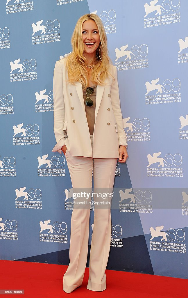 Actress <a gi-track='captionPersonalityLinkClicked' href=/galleries/search?phrase=Kate+Hudson&family=editorial&specificpeople=156407 ng-click='$event.stopPropagation()'>Kate Hudson</a> attends 'The Reluctant Fundamentalist' Photocall during the 69th Venice International Film Festival at Palazzo del Casino on August 29, 2012 in Venice, Italy.