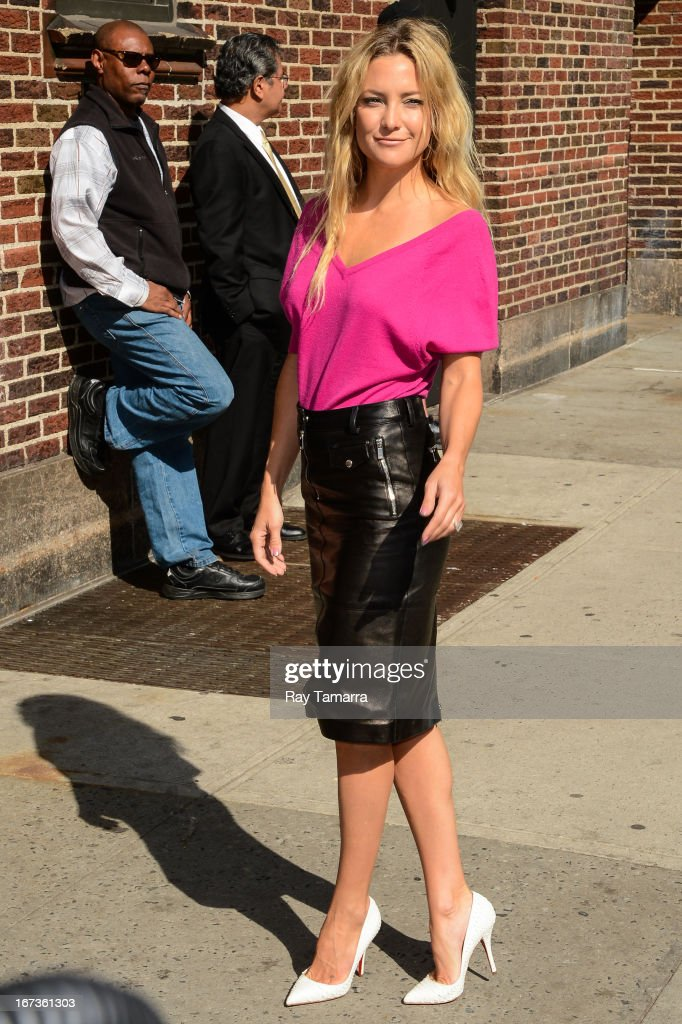 Actress <a gi-track='captionPersonalityLinkClicked' href=/galleries/search?phrase=Kate+Hudson&family=editorial&specificpeople=156407 ng-click='$event.stopPropagation()'>Kate Hudson</a> enters the 'Late Show With David Letterman' taping at the Ed Sullivan Theater on April 24, 2013 in New York City.