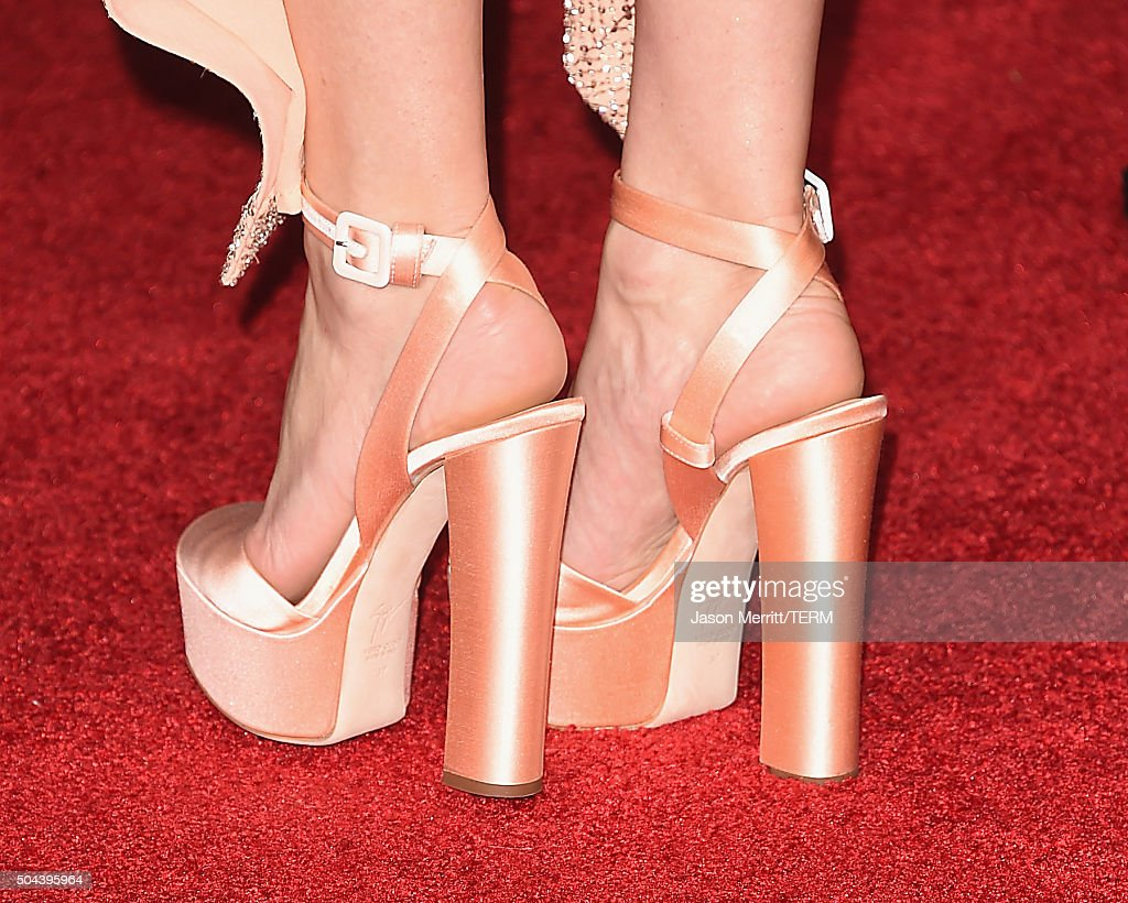 Actress Kate Hudson shoe detail attends the 73rd Annual Golden Globe Awards held at the Beverly Hilton Hotel on January 10 2016 in Beverly Hills...