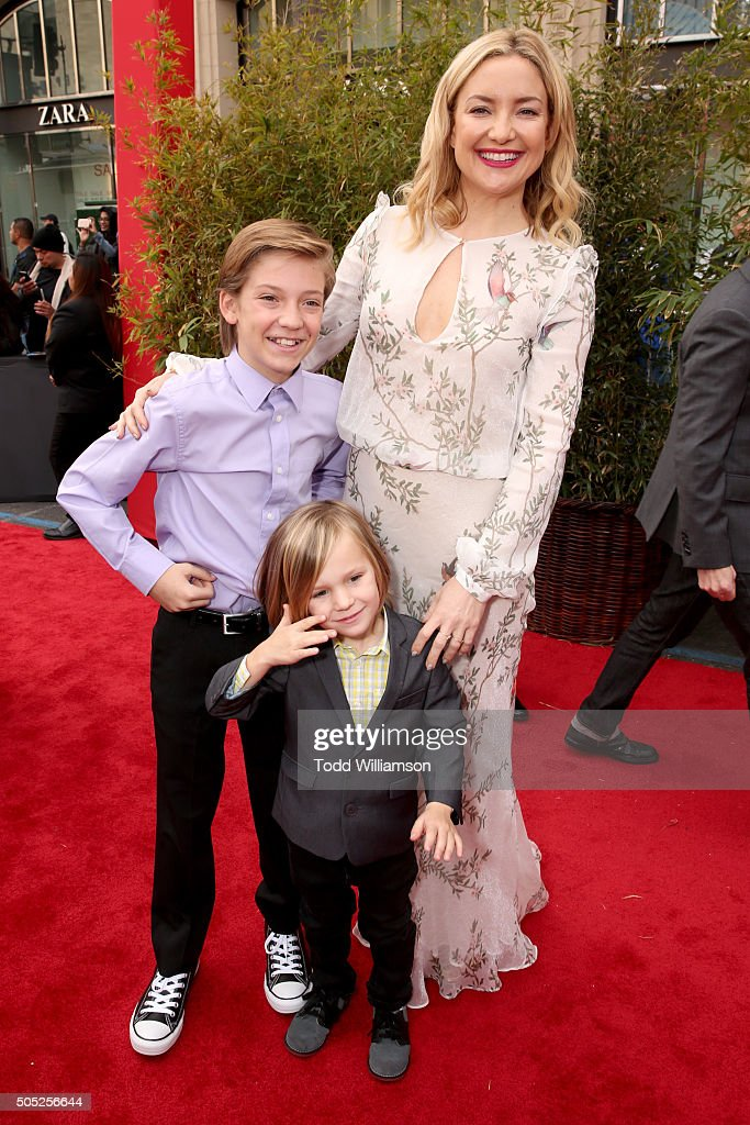 Actress Kate Hudson (R) with sons Ryder Robinson and Bingham Hawn Bellamy attend the premiere of DreamWorks Animation and Twentieth Century Fox's 'Kung Fu Panda 3' at the TCL Chinese Theatre on January 16, 2016 in Hollywood, California.