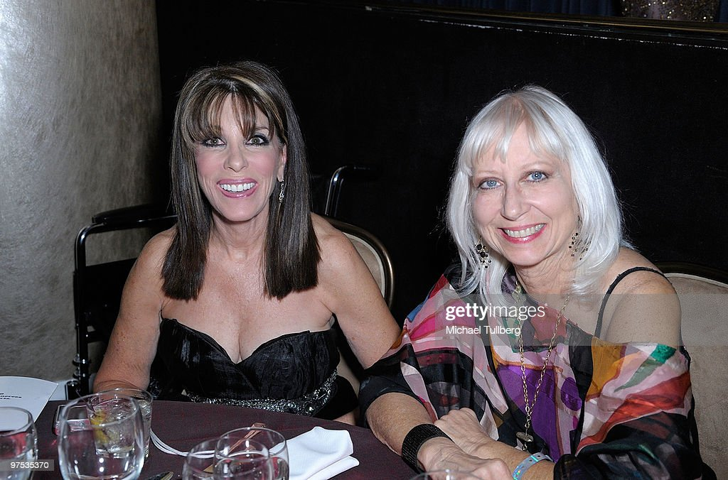 Actress <a gi-track='captionPersonalityLinkClicked' href=/galleries/search?phrase=Kate+Linder&family=editorial&specificpeople=213145 ng-click='$event.stopPropagation()'>Kate Linder</a> (L) attends the 11th Annual Children Uniting Nations Oscar Celebration, held at the Beverly Hilton Hotel on March 7, 2010 in Beverly Hills, California.