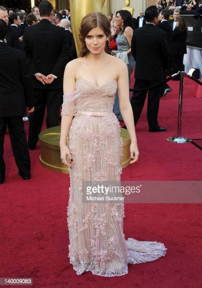 Actress Kate Mara arrives at the 84th Annual Academy Awards held at the Hollywood Highland Center on February 26 2012 in Hollywood California