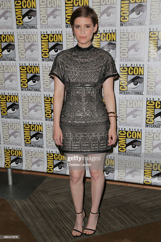 Actress <a gi-track='captionPersonalityLinkClicked' href=/galleries/search?phrase=Kate+Mara&family=editorial&specificpeople=544680 ng-click='$event.stopPropagation()'>Kate Mara</a> arrives at the 'Fantastic Four' press room during Comic-Con International on July 11, 2015 in San Diego, California.