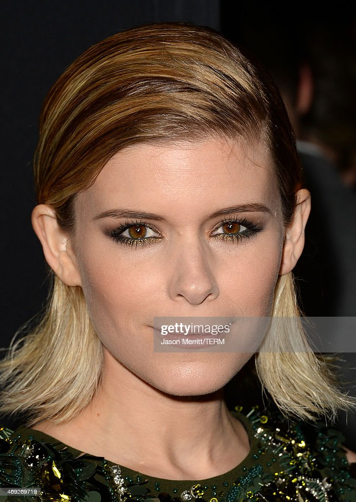 Actress <a gi-track='captionPersonalityLinkClicked' href=/galleries/search?phrase=Kate+Mara&family=editorial&specificpeople=544680 ng-click='$event.stopPropagation()'>Kate Mara</a> arrives at the special screening of Netflix's 'House of Cards' Season 2 at the Directors Guild of America on February 13, 2014 in Los Angeles, California.