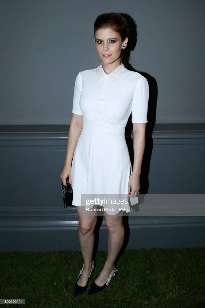 actress-kate-mara-attends-the-dior-homme-menswear-springsummer-2018-picture-id800559224