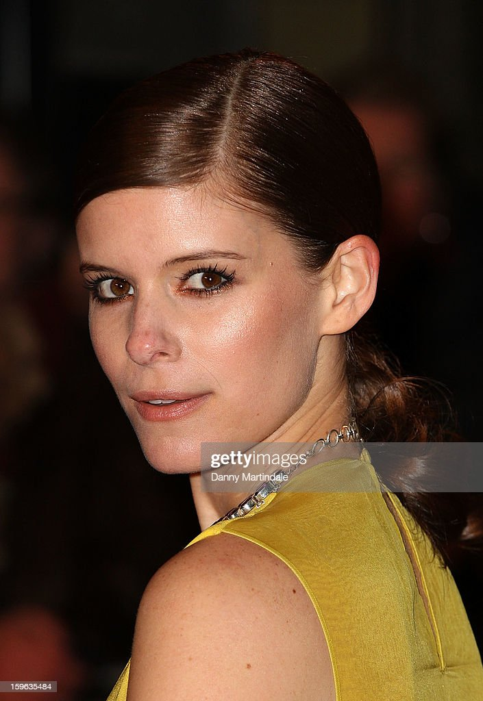 Actress <a gi-track='captionPersonalityLinkClicked' href=/galleries/search?phrase=Kate+Mara&family=editorial&specificpeople=544680 ng-click='$event.stopPropagation()'>Kate Mara</a> attends the red carpet premiere for the launch of Netflix Original Series, House of Cards on January 17, 2013 in London, United Kingdom.