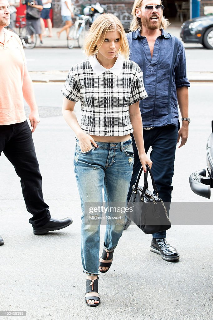 Actress <a gi-track='captionPersonalityLinkClicked' href=/galleries/search?phrase=Kate+Mara&family=editorial&specificpeople=544680 ng-click='$event.stopPropagation()'>Kate Mara</a> seen on the streets of Manhattan on August 10, 2014 in New York City.