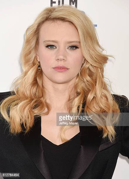 Actress Kate McKinnon arrives at the 2016 Film Independent Spirit Awards on February 27 2016 in Santa Monica California