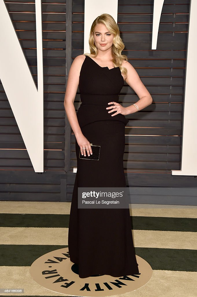 Actress <a gi-track='captionPersonalityLinkClicked' href=/galleries/search?phrase=Kate+Upton&family=editorial&specificpeople=7488546 ng-click='$event.stopPropagation()'>Kate Upton</a> attends the 2015 Vanity Fair Oscar Party hosted by Graydon Carter at Wallis Annenberg Center for the Performing Arts on February 22, 2015 in Beverly Hills, California.