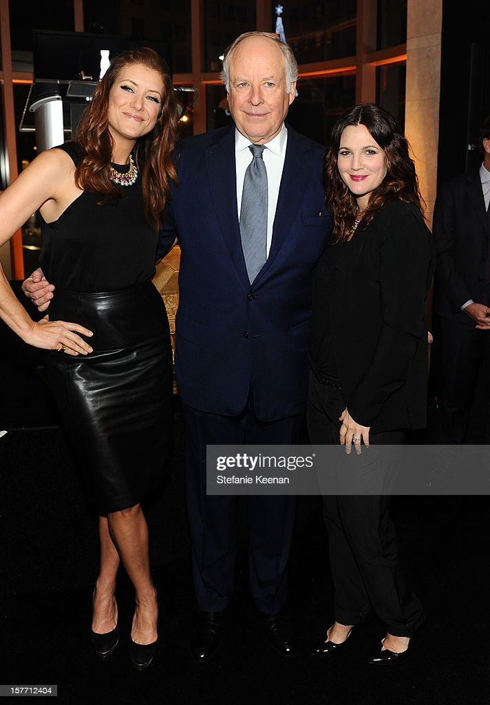Actress Kate Walsh honoree Nicola Bulgari and actress Drew Barrymore attend the Rodeo Drive Walk Of Style honoring BVLGARI and Mr Nicola Bulgari held...