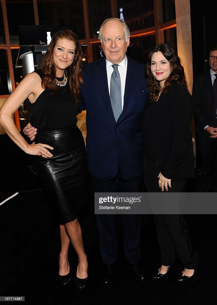 Actress Kate Walsh, honoree Nicola Bulgari and actress Drew Barrymore attend the Rodeo Drive Walk Of Style honoring BVLGARI and Mr. Nicola Bulgari held at Bulgari on December 5, 2012 in Beverly Hills, California.