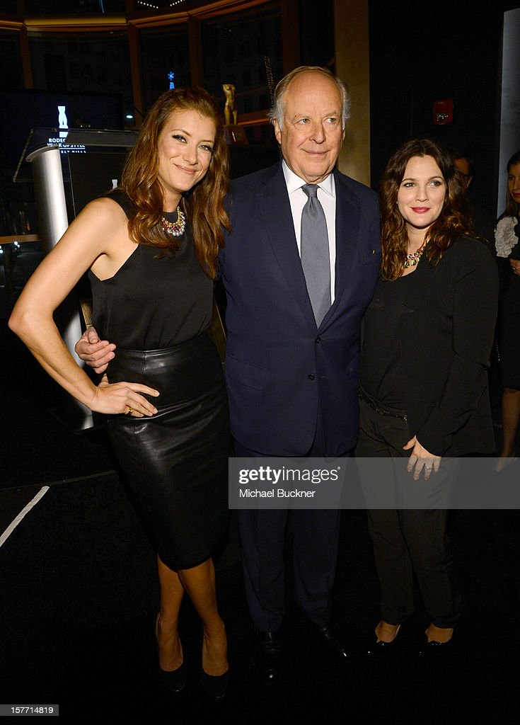 Actress Kate Walsh, honoree Nicola Bulgari, and actress Drew Barrymore attend the Rodeo Drive Walk Of Style honoring BVLGARI and Mr. Nicola Bulgari held at Bulgari on December 5, 2012 in Beverly Hills, California.