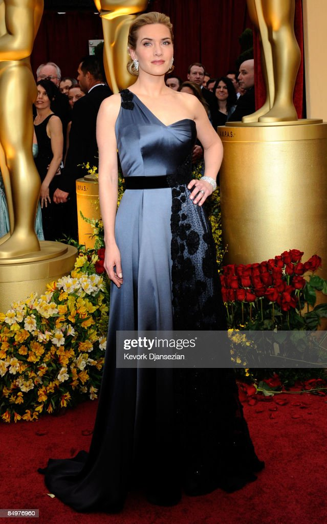 Actress <a gi-track='captionPersonalityLinkClicked' href=/galleries/search?phrase=Kate+Winslet&family=editorial&specificpeople=201923 ng-click='$event.stopPropagation()'>Kate Winslet</a> arrives at the 81st Annual Academy Awards held at Kodak Theatre on February 22, 2009 in Los Angeles, California.