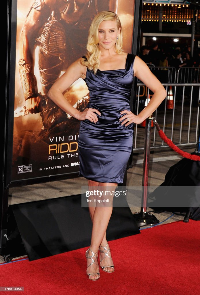 Actress <a gi-track='captionPersonalityLinkClicked' href=/galleries/search?phrase=Katee+Sackhoff&family=editorial&specificpeople=2310579 ng-click='$event.stopPropagation()'>Katee Sackhoff</a> arrives at the Los Angeles Premiere 'Riddick' at the Mann Village Theater on August 28, 2013 in Westwood, California.