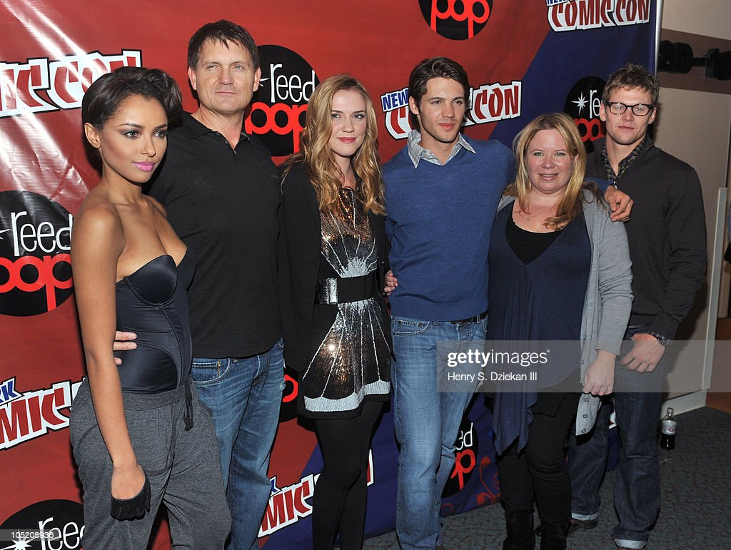 Actress Katerina Graham, Kevin Williamson, actress Sara Canning, actor Steven R. McQueen, Julie Plec and actor Zach Roerig attend the 2010 New York Comic Con at the Jacob Javitz Center on October 10, 2010 in New York City.