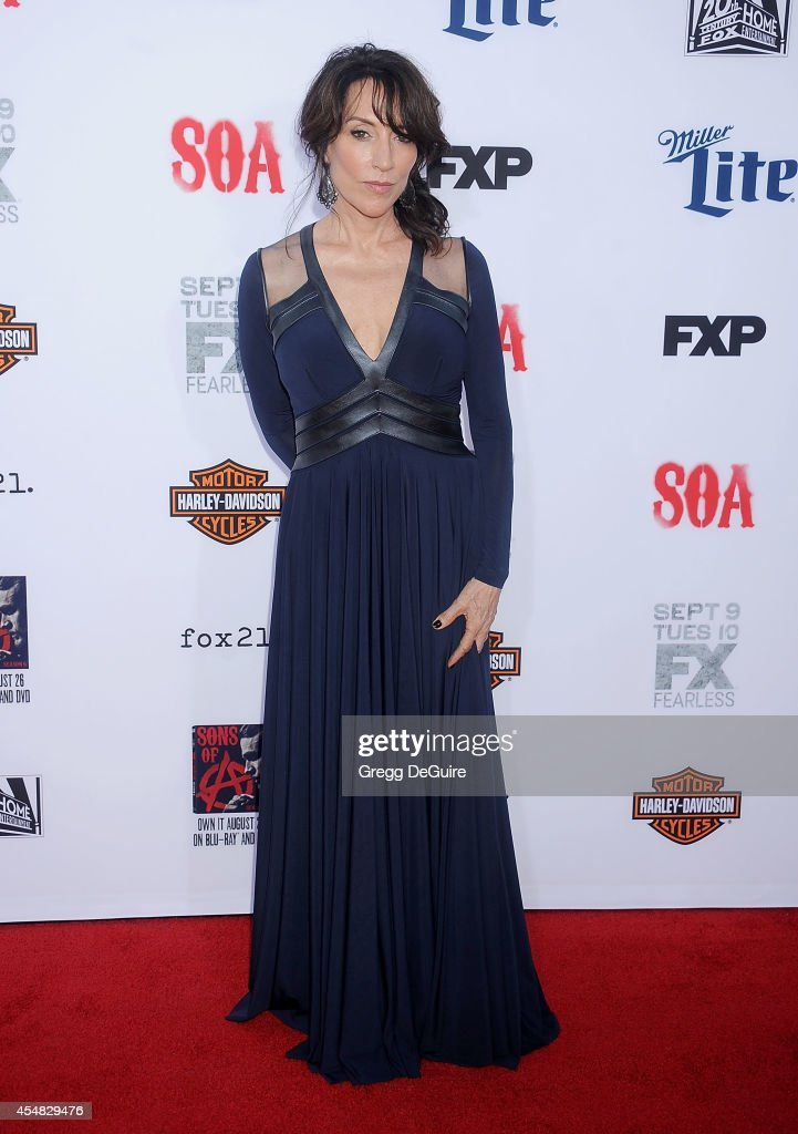 Actress <a gi-track='captionPersonalityLinkClicked' href=/galleries/search?phrase=Katey+Sagal&family=editorial&specificpeople=221480 ng-click='$event.stopPropagation()'>Katey Sagal</a> arrives at FX's 'Sons Of Anarchy' premiere at TCL Chinese Theatre on September 6, 2014 in Hollywood, California.